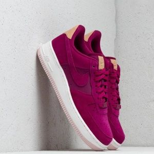 NWT Nike Air Force 1 '07 PRM WMNS Size 8